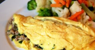 Tabil-Seasoned Pork and Spinach Omelet