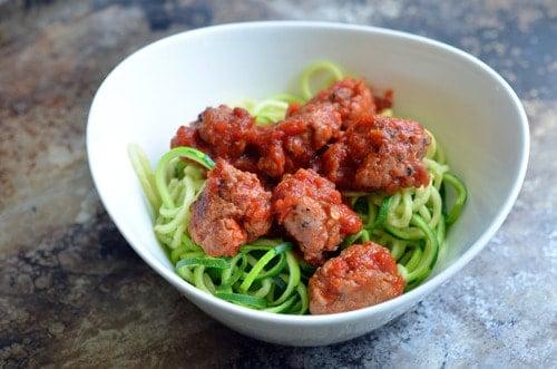 Zucchini Spaghetti (Zoodles!) & Meatballs