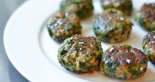 Green Sliders (Spinach, Mushroom, and Beef Mini Burgers)