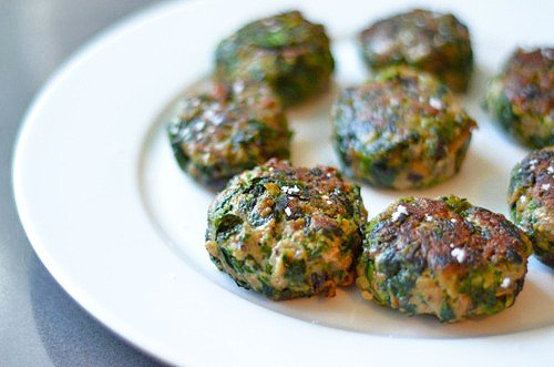 Green Sliders (Spinach, Mushroom, and Beef Mini Burgers) by Michelle Tam / Nom Nom Paleo