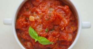 Virginia Is For Hunter-Gatherers' Spicy Tomato Basil Sauce for Nom Nom Paleo
