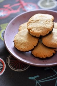 The World's Easiest Cookies from Elizabeth Barbone by Michelle Tam https://nomnompaleo.com
