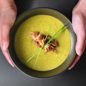 Instant Pot Curried Cream of Broccoli Soup by Michelle Tam http://nomnompaleo.com