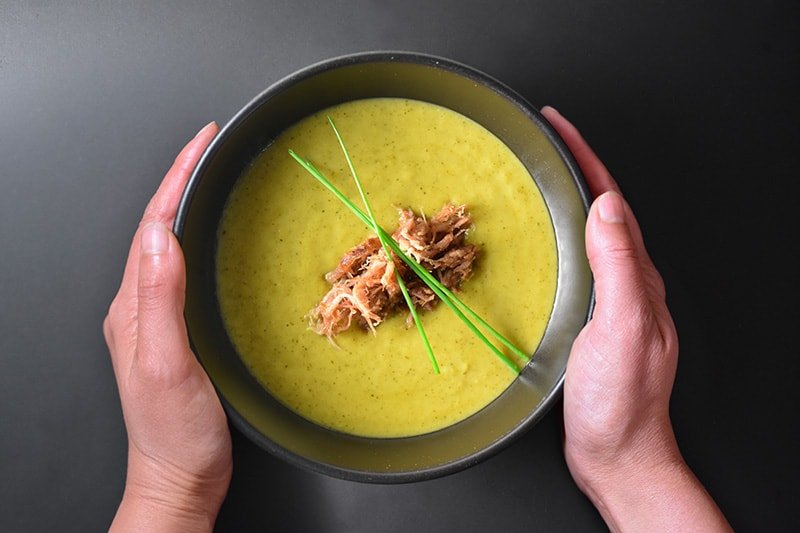 Whole30 Day 22: Curried Cream of Broccoli Soup by Michelle Tam / Nom Nom Paleo https://nomnompaleo.com
