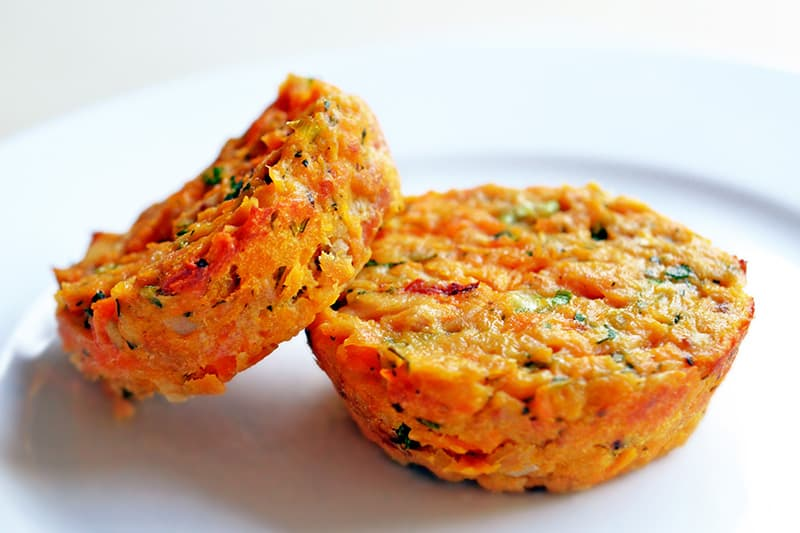 Spicy Tuna Cakes by Michelle Tam / Nom Nom Paleo https://nomnompaleo.com