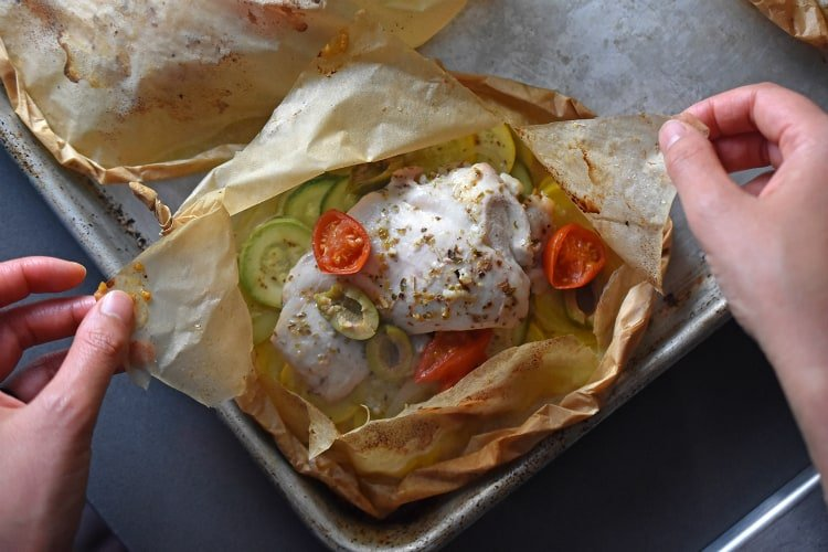 Lemon Garlic Chicken Parchment Packets by Michelle Tam https://nomnompaleo.com