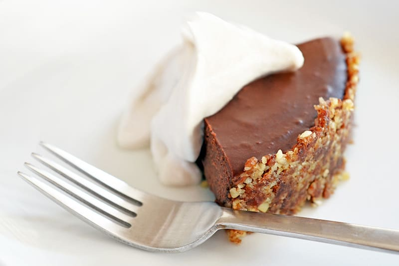Kelly Brozyna's Paleo Chocolate Pie + Raw Graham Cracker Crust